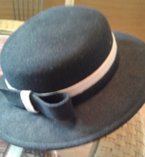 Vintage Black hat with brim