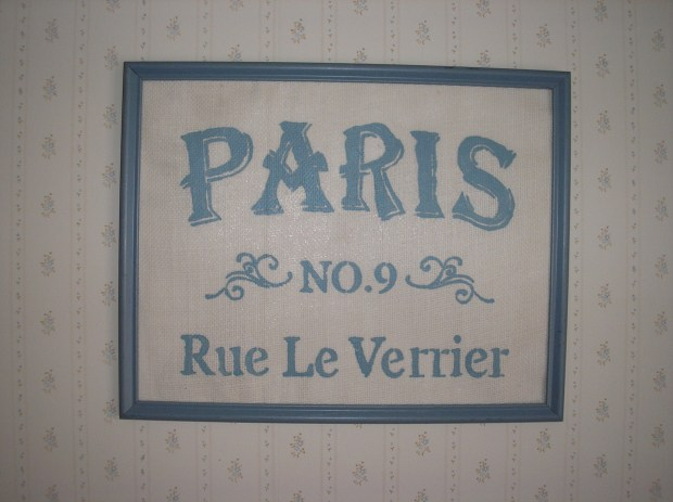 Paris Sign