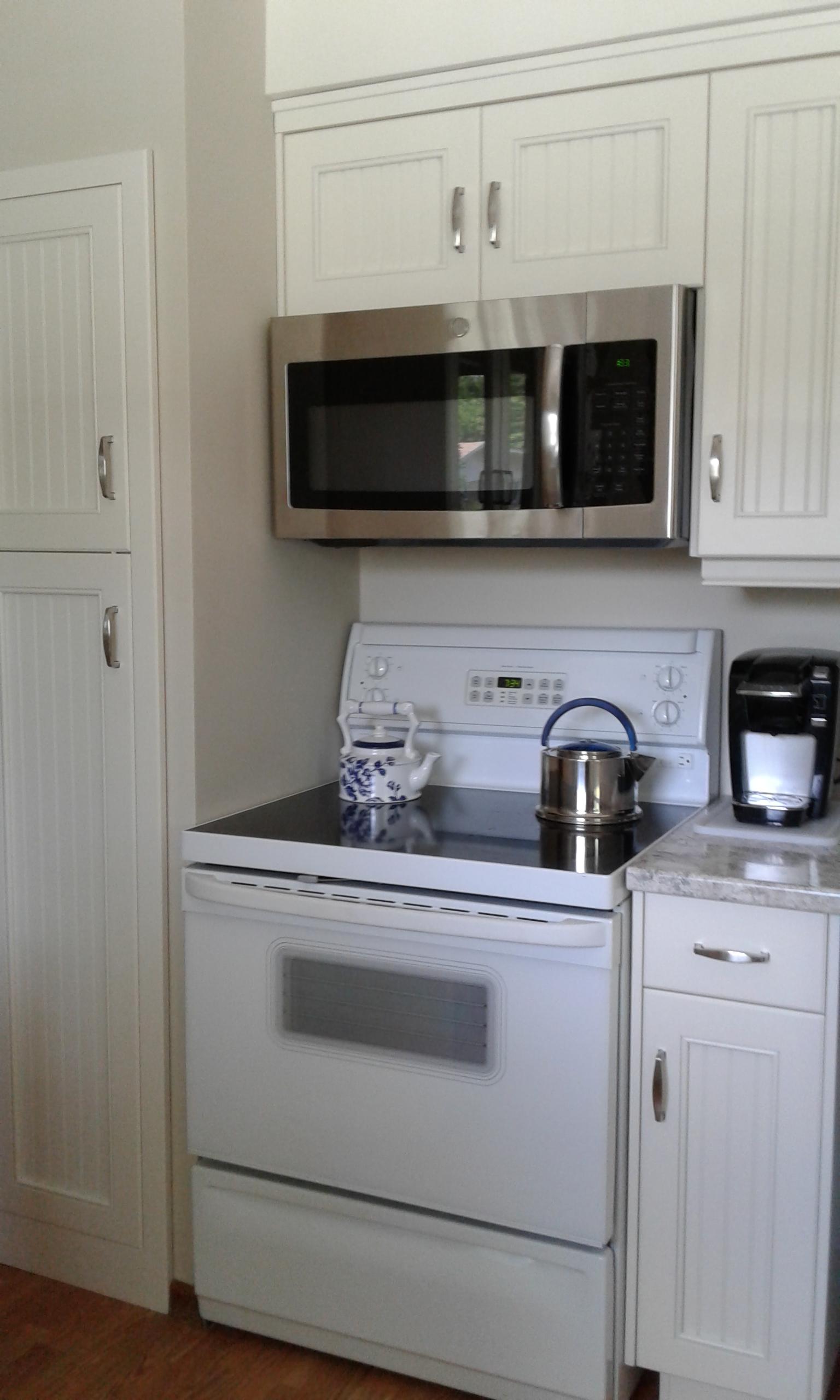 Kitchen Reno - Stove and Pantry