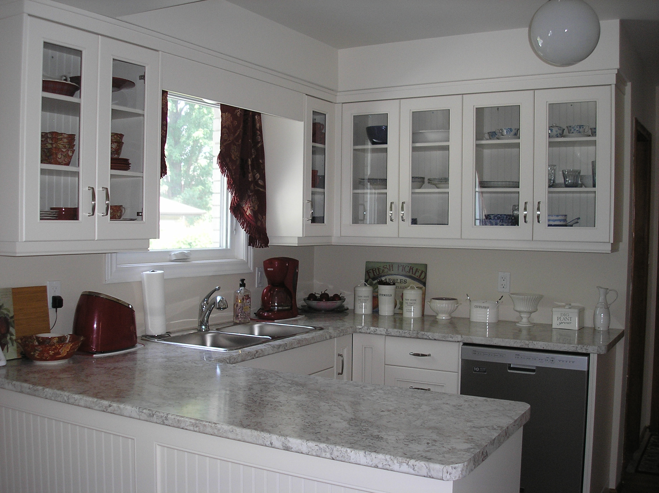 Kitchen Reno - Red and Blue