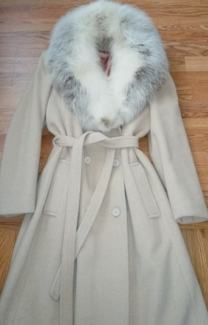 Camel winter coat with fur