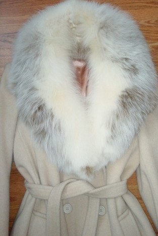 Camel winter coat with fur collar
