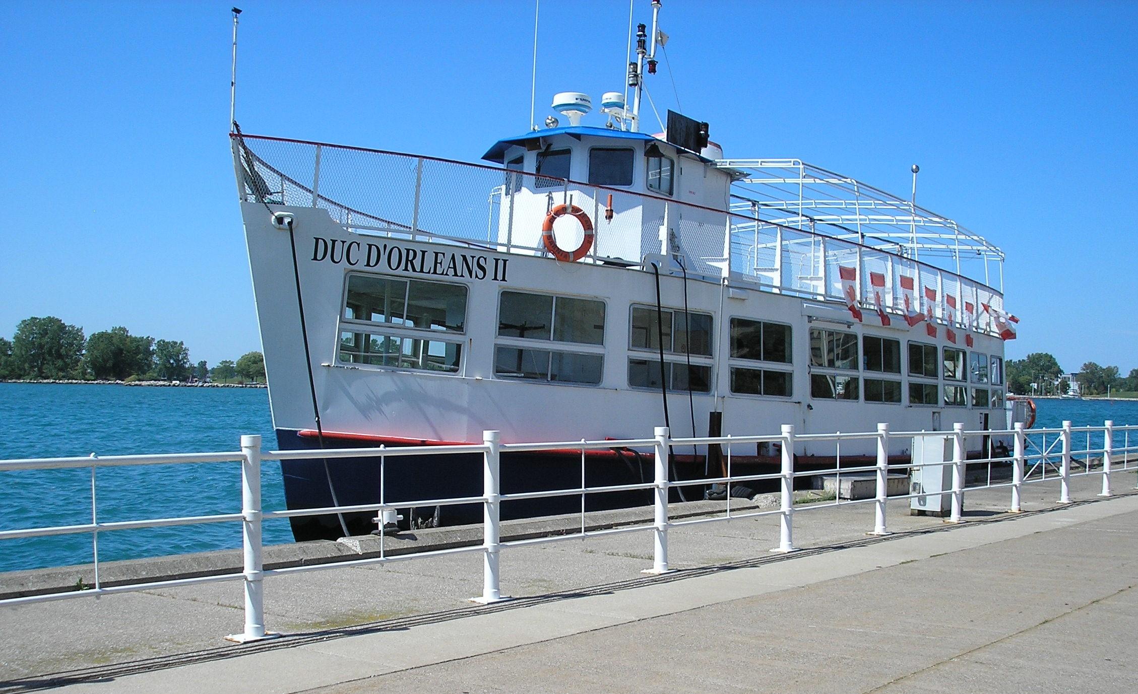 Centennial Park - boat - Duc du Orleans